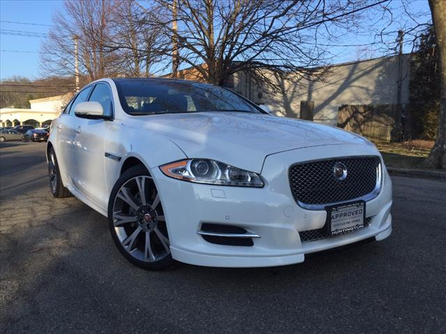 Huntington, NY - 2015 Jaguar XJ