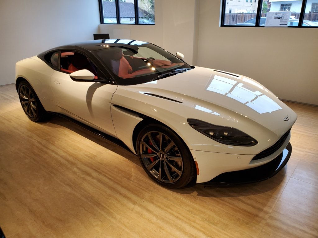 2019 Aston Martin DB11  photo