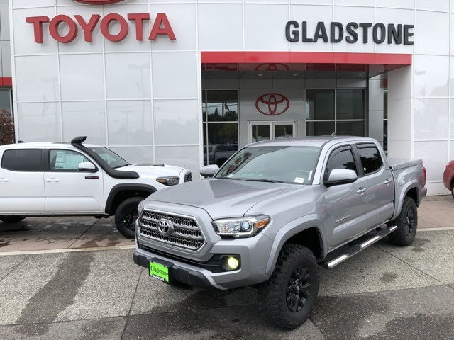 2016 Toyota Tacoma  photo