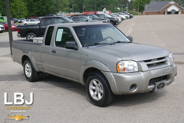 2004 Nissan Frontier XE photo
