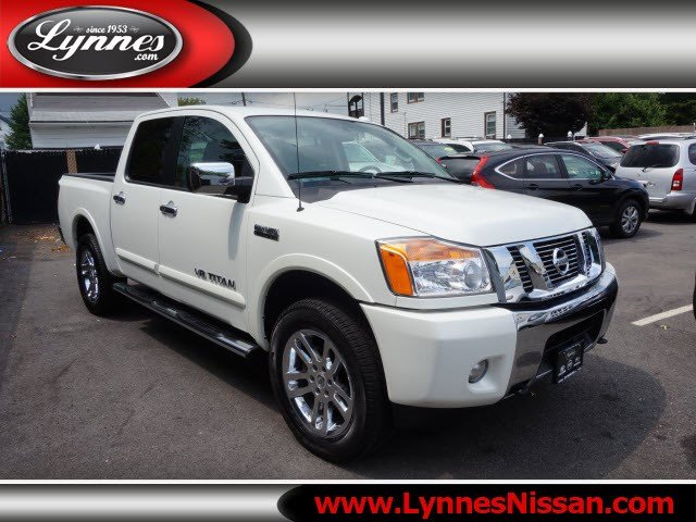 new and used nissan titan for sale the car connection. Black Bedroom Furniture Sets. Home Design Ideas