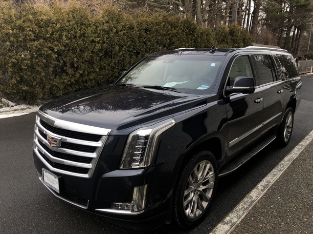 2017 Cadillac Escalade ESV Luxury photo