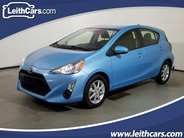 2015 Toyota Prius c One photo