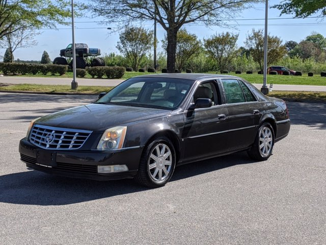 2008 Cadillac DeVille photo