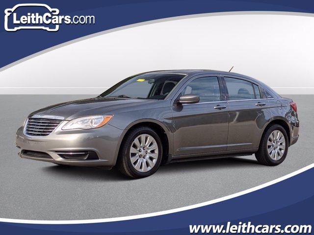 2013 Chrysler 200 LX photo