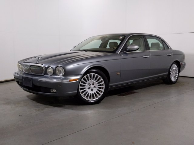 2006 Jaguar XJ-Series Super V8 photo
