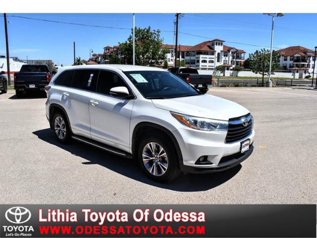 2016 Toyota Highlander LE photo