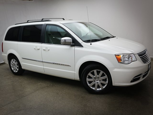 2011 Chrysler Town and Country for sale in Portland