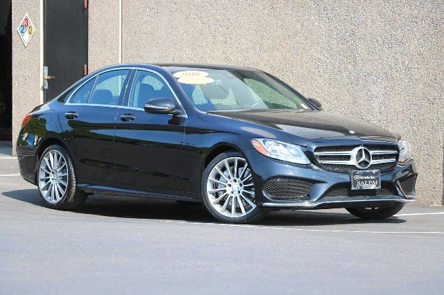 2016 Mercedes-Benz C-Class C300 Sport photo