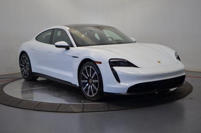 Thumbnail - 2021 Porsche Taycan