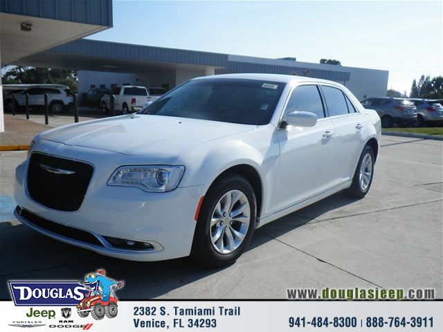 2016 chrysler 300 white white 2016 chrysler 300 model car for sale in venice fl 4174052701. Black Bedroom Furniture Sets. Home Design Ideas