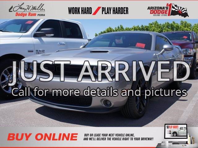2018 Dodge Challenger SXT photo