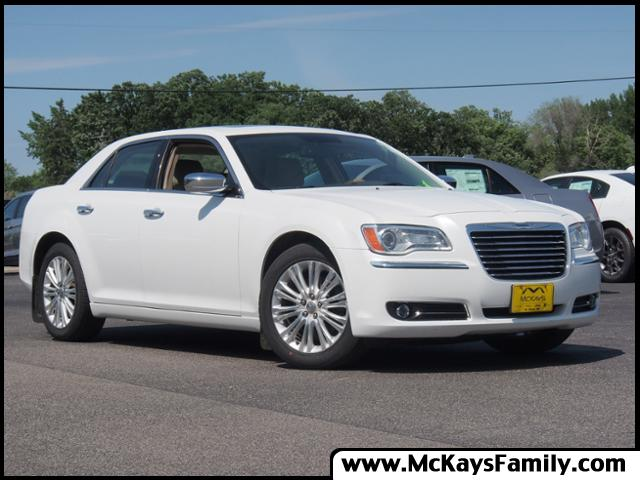 2012 Chrysler 300 Limited photo