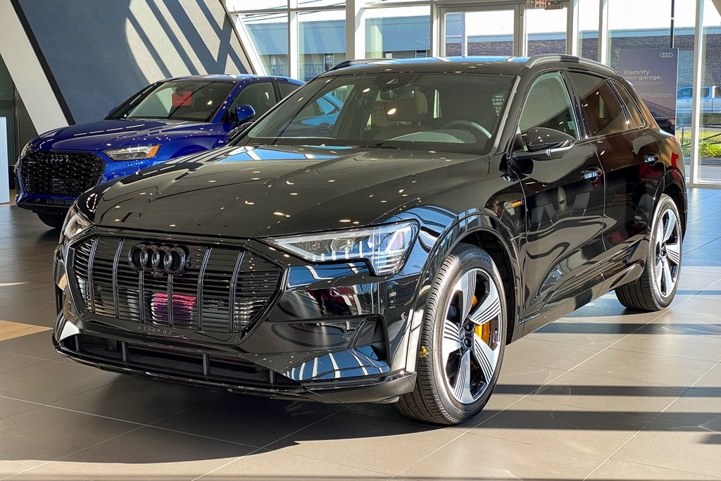 2022 Audi e-tron