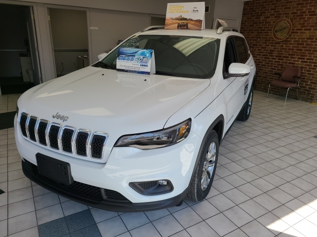 2021 Jeep Cherokee  photo