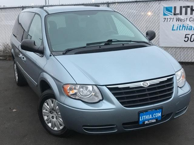2006 Chrysler Town and Country for sale in Kennewick