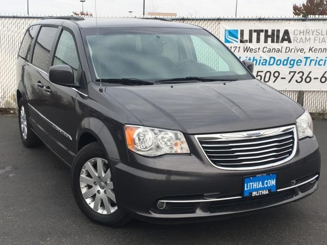 2016 Chrysler Town and Country for sale in Kennewick