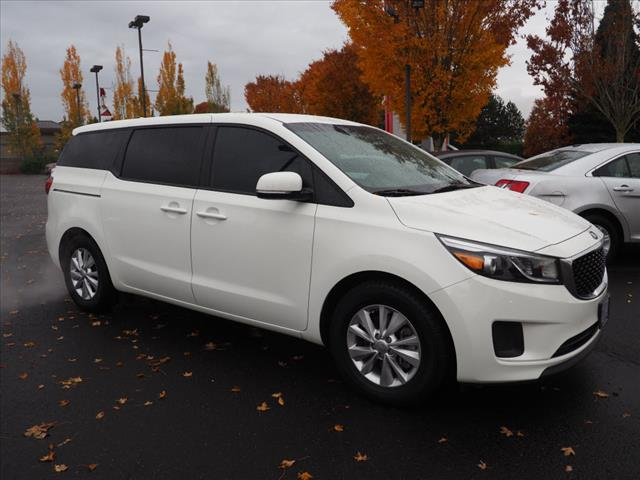2017 Kia Sedona  photo