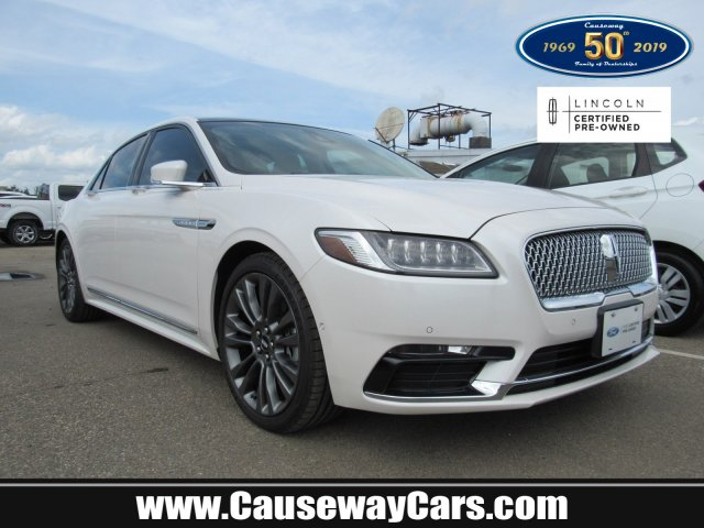 2017 Lincoln Continental Reserve photo