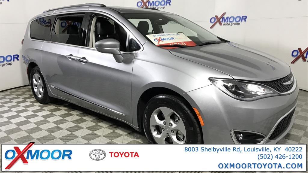 Louisville, KY - 2017 Chrysler Pacifica