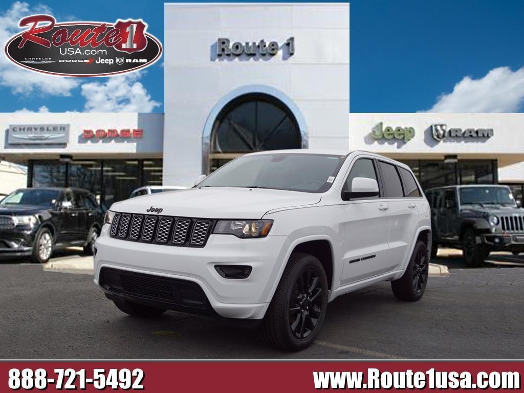 2020 Jeep Grand Cherokee Laredo photo