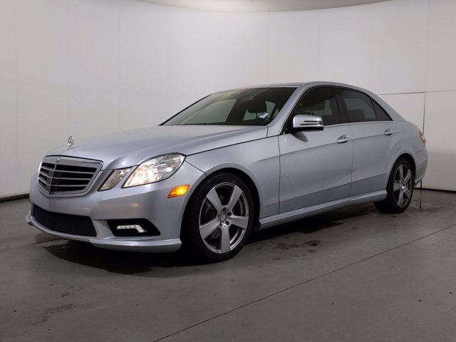 2011 Mercedes-Benz E-Class E350 4MATIC Luxury photo