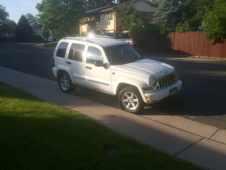 new and used jeep liberty for sale in denver co the car connection. Black Bedroom Furniture Sets. Home Design Ideas