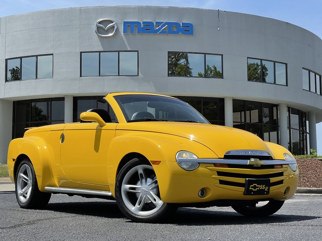 2004 Chevrolet SSR LS photo