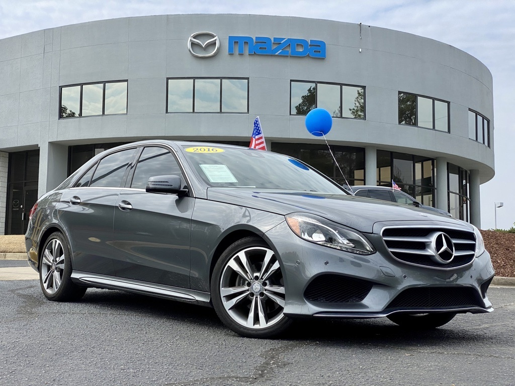 2016 Mercedes-Benz E-Class E350 4MATIC Luxury photo