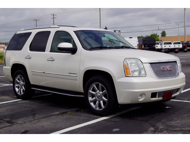 GMC Yukon Denali Under 500 Dollars Down