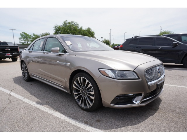 2019 Lincoln Continental Reserve photo