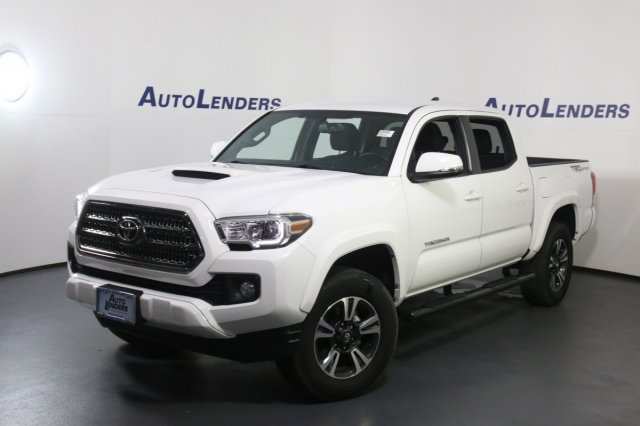 2017 Toyota Tacoma TRD Sport photo