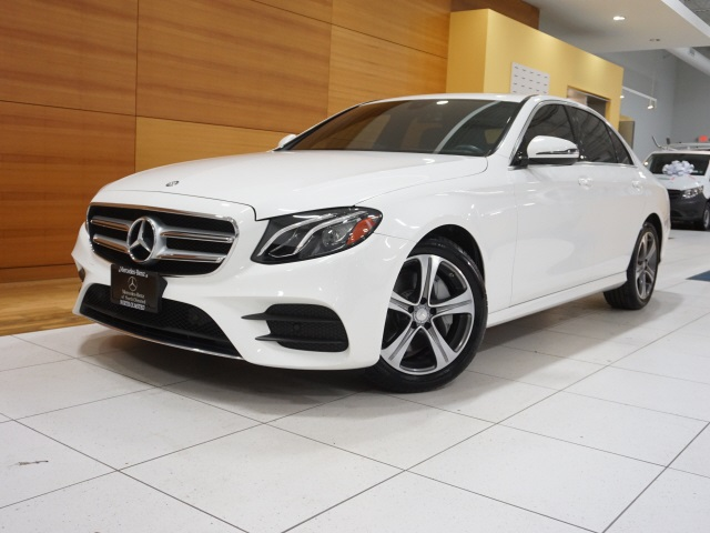 North Olmsted, OH - 2017 Mercedes-Benz E-Class