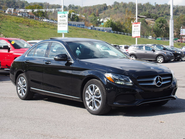 Mercedes benz dealers in virginia for Mercedes benz arlington service center