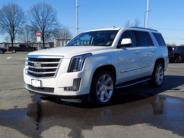2016 Cadillac Escalade Luxury photo