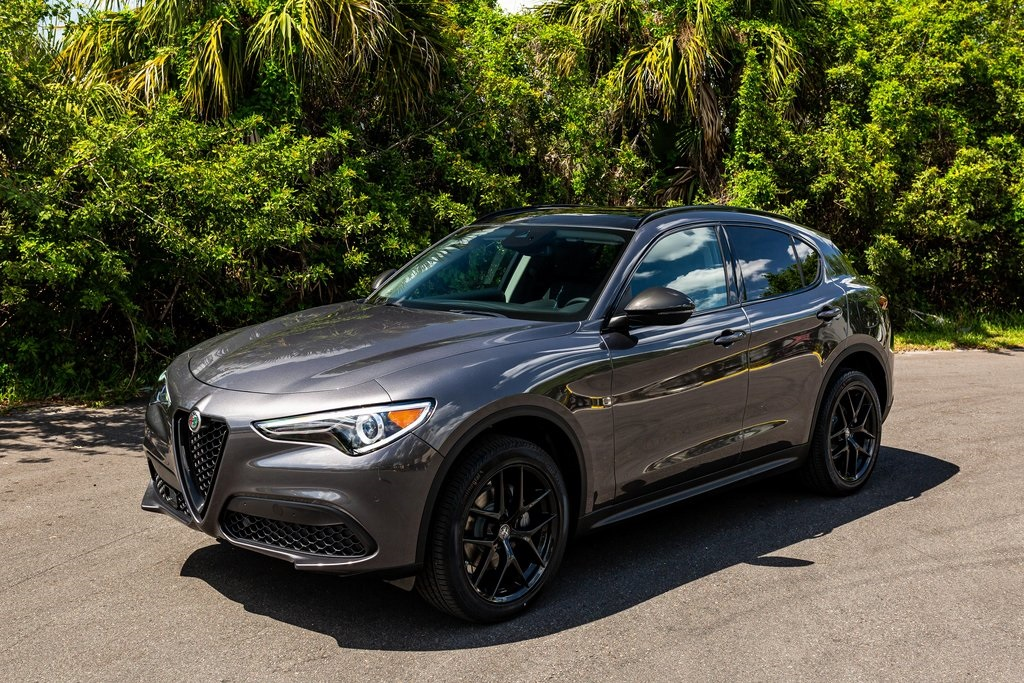 2021 Alfa Romeo Stelvio  photo