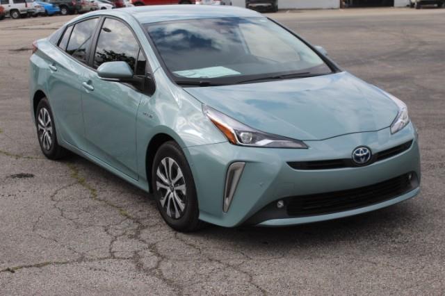 2021 Toyota Prius LE photo
