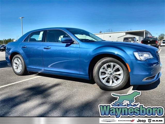 2020 Chrysler 300 photo
