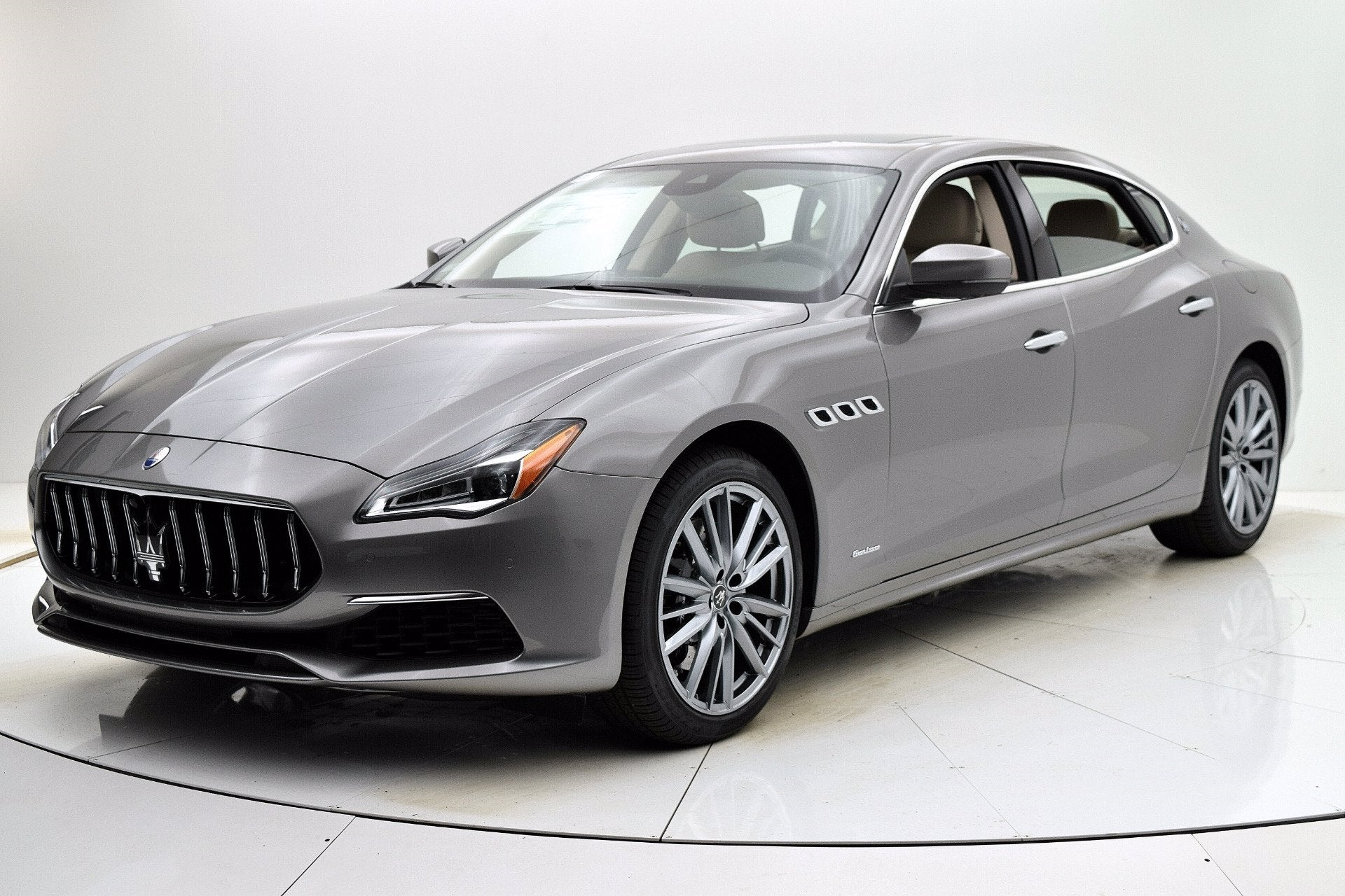 Thumbnail - 2021 Maserati Quattroporte