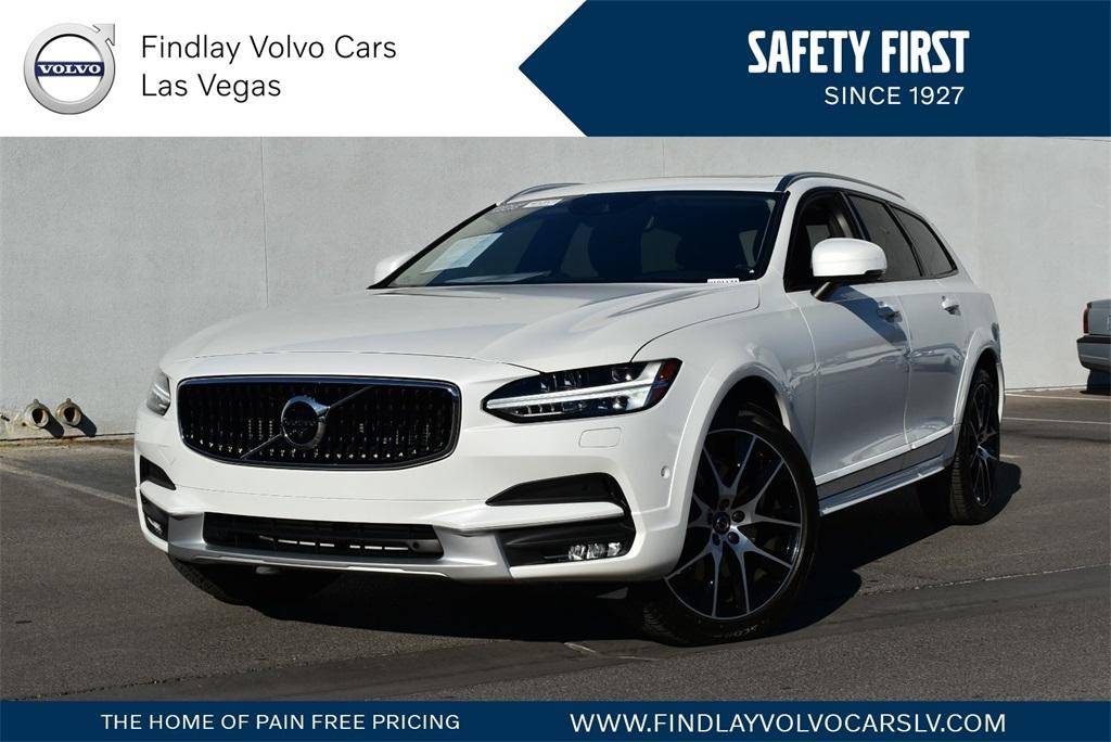 2020 Volvo V90 Cross Country  photo